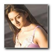 http://www.behindwoods.com/features/Gallery/actress/actress1/vimala-raman/tn_vimala%20raman-07.jpg