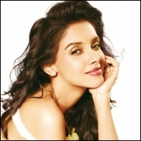 asin-bollywood-23-08-12