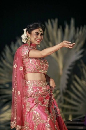 Aashka Goradia and Brent Goble's Colorful Sangeet