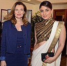 Kareena At French First Lady Valerie Trierweilers Luncheon