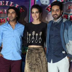 Kriti Sanon Celebrate Her Birthday With Bareilly Ki Barfi Team