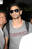 Sushant Singh Rajput And Kriti Sanon Spotted At Airport