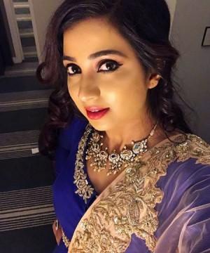 Shreya Ghoshal Aka Shreyaghoshal Photos Stills Images