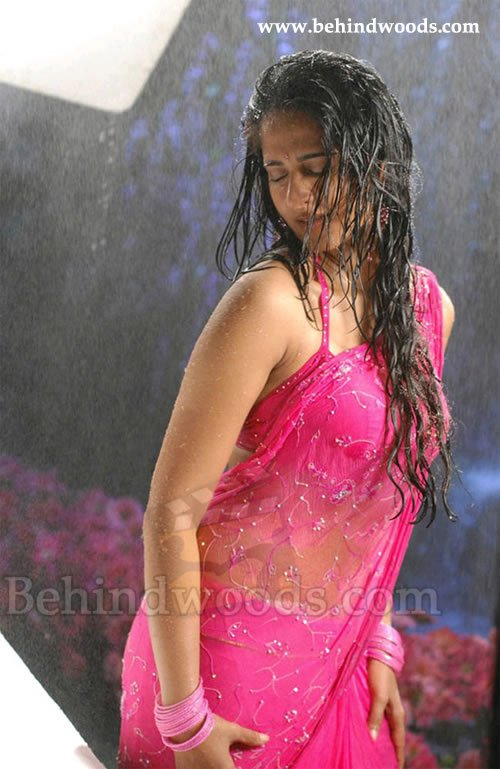 actress hot wallpapers. Anusuka Actress Hot wallpapers