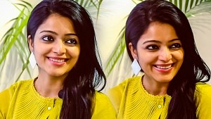 Janani Iyer - I'm a big Jyothika paithiyam | Adhe Kangal Exclusive Interview