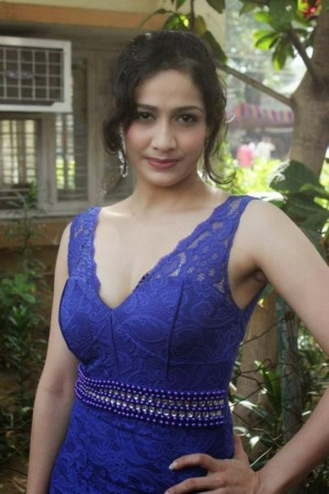 Komal Sharma (aka) Actress Komal Sharma