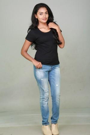 Sowmya (aka) Sowmya Actress