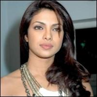 Приянка Чопра / Priyanka Chopra - Страница 2 Vijay-priyanka-16-08-11