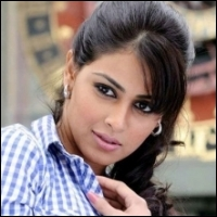 genelia-vilasrao-deshmukh-07-08-12