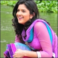 Deeksha Seth In Vettai Mannan silambarasan-deeksha-seth-04-