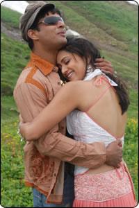 Guru En Aalu Behindwoods Com Tamil Movie Reviews Madhavan Mamta Mohandas Abbas Vivek