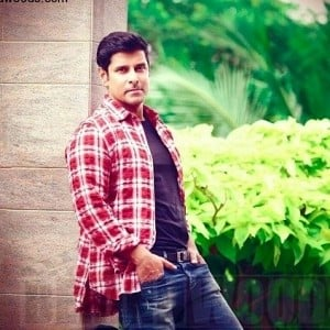 Want to know who shopped for Vikram in Dubai?