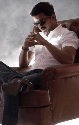 Will he or won't he - Vijay and the guessing game, thuppakki, vijay