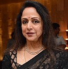 Hema Malini at Gallery Veda Exhibition