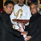 Kamal Haasan receiving his Padma Bhushan from the President