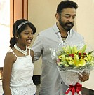 Kamal receives painting for Vishwaroopam 100 days
