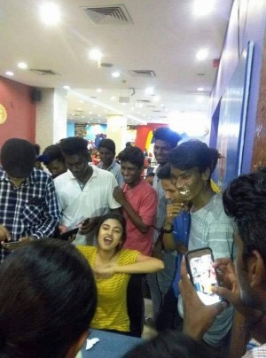 Oviya Spotted at City Centre