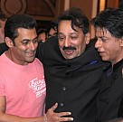Salman Khan and Shahrukh Khan hug at Iftar party