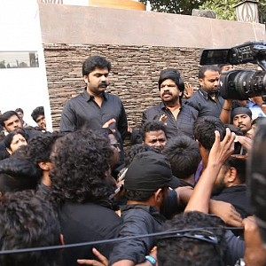 Simbu's protest against the ban of Jallikattu