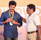Sivakarthikeyan at the Behindwoods Gold Medals 2013
