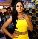 Veena Malik promotes Zindagi 5050