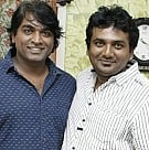 Vijay Sethupathi Gifts Gold Coins To Senior PRO's