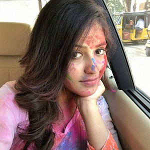 Don't miss the actresses colourful holi celebrations