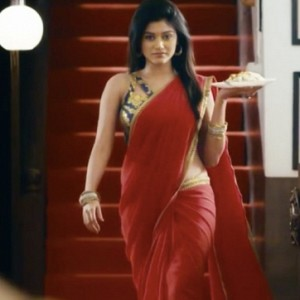Oviya's bigger roles before BIGG BOSS