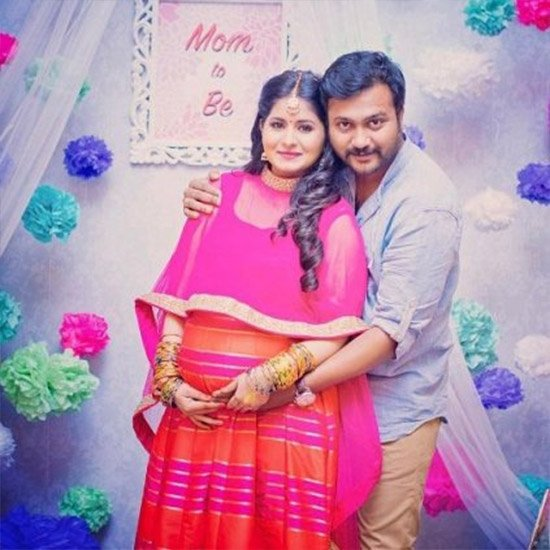 Happy News : Bobby Simha - Reshmi Menon blessed with a Baby!