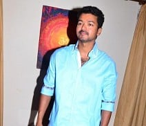 'Moondru Mugam' for Ilayathalapathy Vijay ?