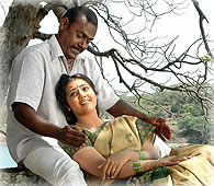 KUSELAN MUSIC REVIEW - Behindwoods Actor Rajinikanth Nayanthara