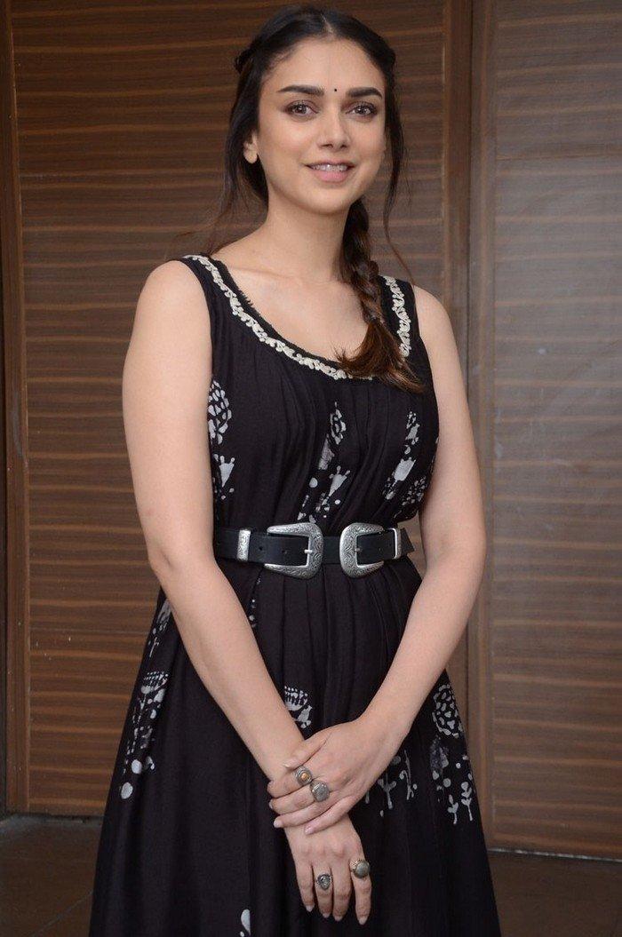 Aditi Rao Hydari (aka) AditiRaoHydari