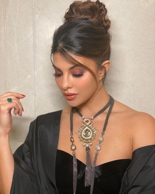 Jacqueline Fernandez birthday special: 6 movies that ...  |Race 2 Jacqueline Fernandez Hairstyle