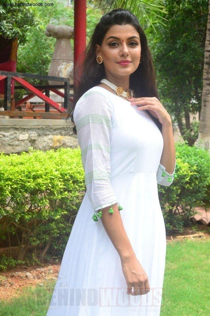 Anisha Ambrose (aka) Anisha