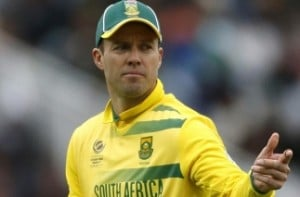De Villiers reveals about his minor injury during Pakistan match
