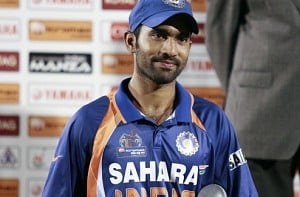 Dinesh Karthik replaces injured Manish Pandey in India squad