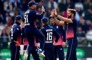 England beats South Africa by 9-Wicket