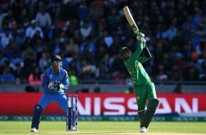 Free beer, discounts on India-Pakistan finals