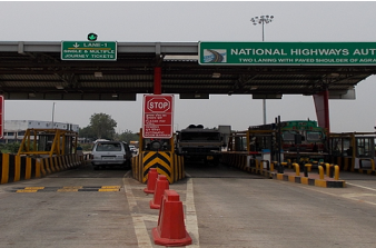 Cops beat up and loot Rs. 40,000 from toll plaza