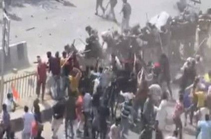 Delhi Police attacked pelted with stones at Chand Bagh clashes