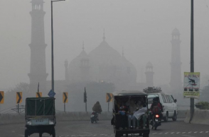 Delhi smog: Schools to remain shut tomorrow