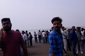Boat carrying 40 school children capsizes in Maharashtra, 4 dead