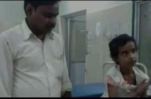 Police attack 4-year-old girl, father with lathi
