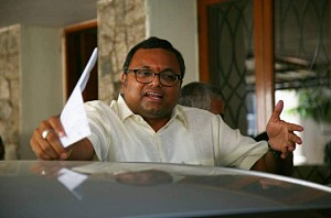 Karti Chidambaram leaves for London following IT raid