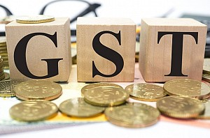 Online, retail stores offer discounts ahead of GST rollout