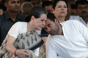 Rahul Gandhi likely to take over Sonia by October