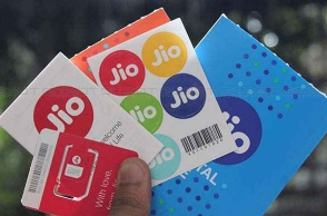 Reliance to raise Rs 25,000 crore to fund Jio, service debt