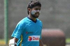 SL keeper Dickwella fined for attempting Dhoni-like stumping