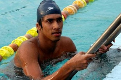 Gold-medal winning swimmer dies in a tragic road accident