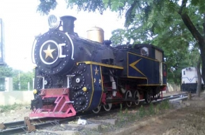 Steam engine train operates from Chennai Egmore to Kodambakkam